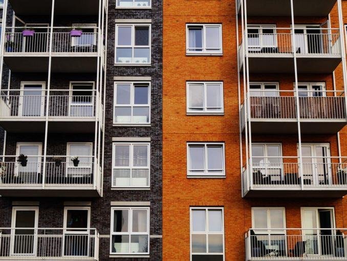 Immobilien oder Aktien - Wie sieht es mit derEigenkapitalrenditeaus?